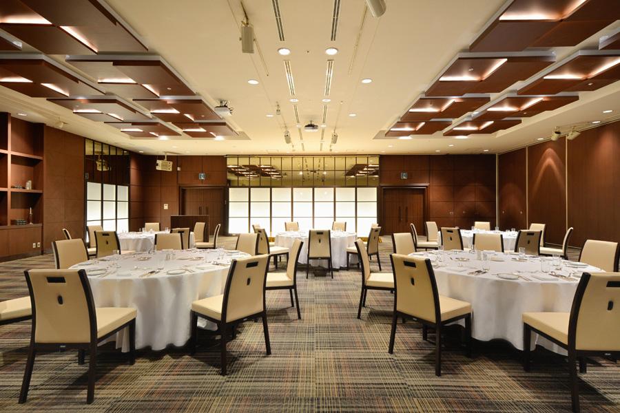 名古屋クレストンホテル宴会場「ザ・ノース / ザ・サウス」の会食など正餐スタイル