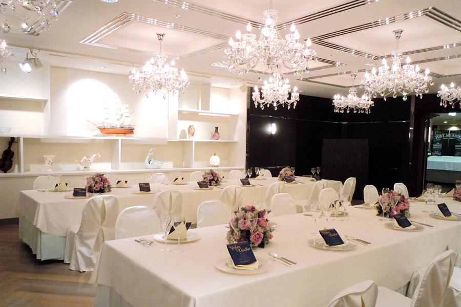 名古屋クレストンホテル宴会場「パレット」の晩餐会流しテーブル