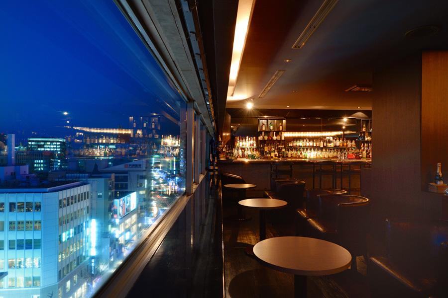 バー&ラウンジDIEZ(ディエス)から見える栄の夜景