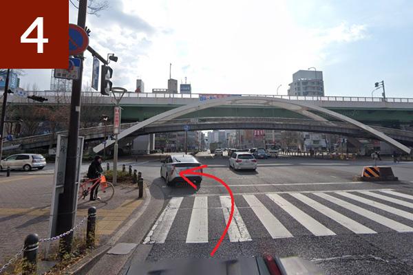 矢場町交差点を左折