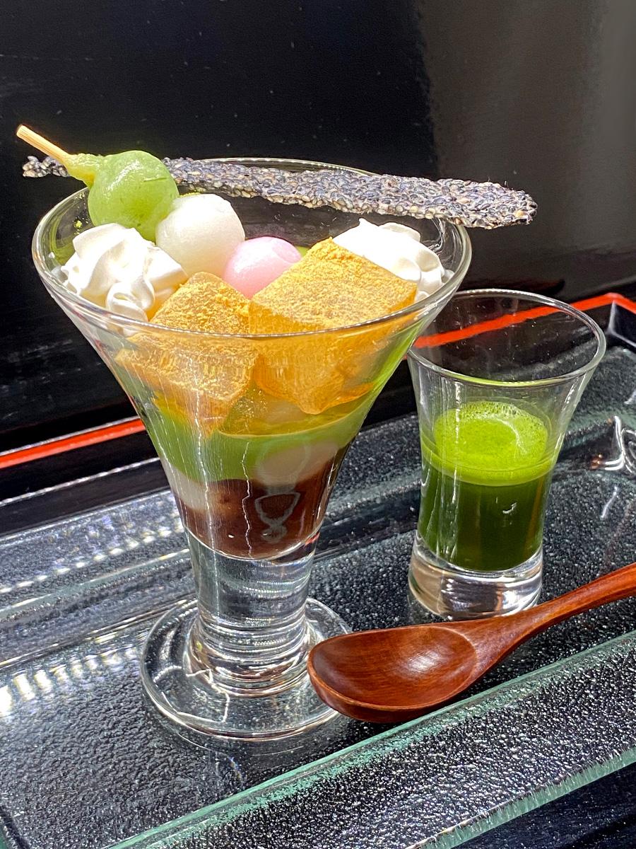 レストランヴェルヴェのカフェメニュー「抹茶パフェ」