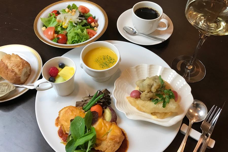 名古屋クレストンホテル レストランヴェルヴェのディナー一例