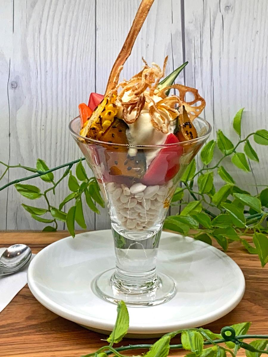 レストランヴェルヴェのカフェメニュー「野菜パフェ」